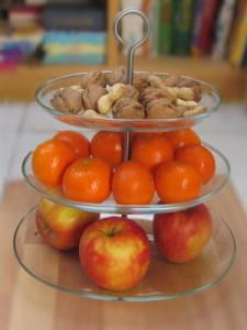 Горка с фруктами